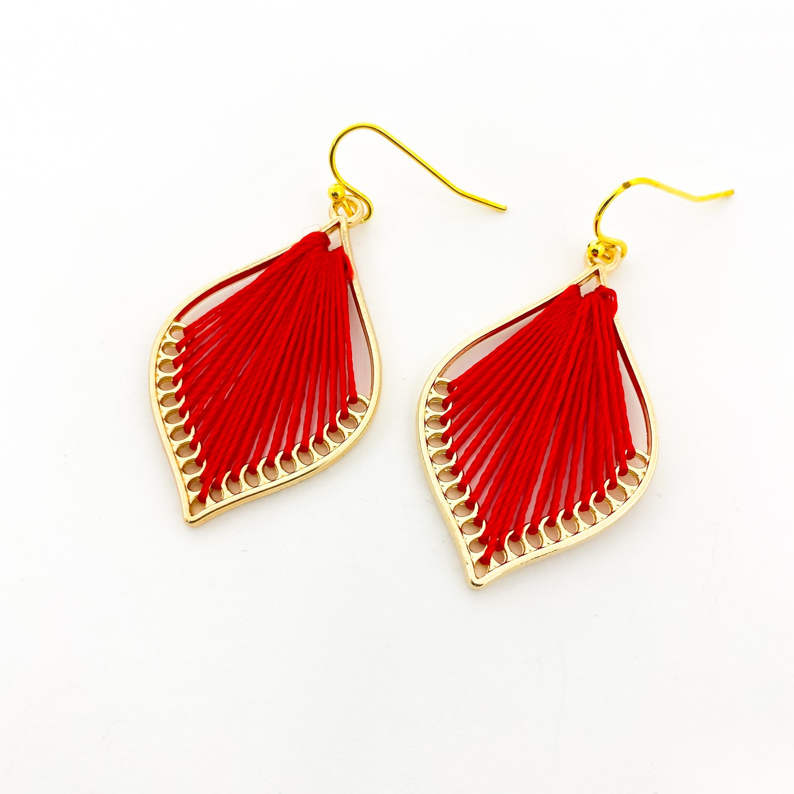 MINI THREAD ACCENTED LEAF EARRINGS | GOLD | COLOR OPTIONS