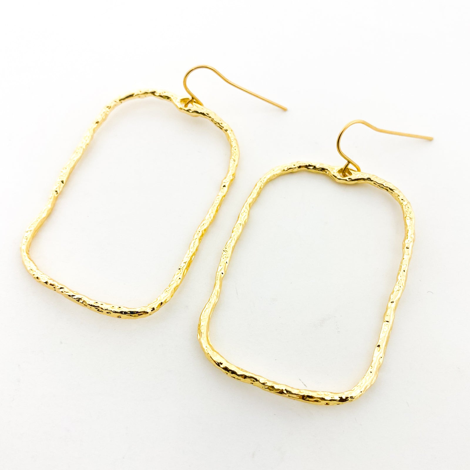 TWISTED HAMMERED WIDE RECTANGLE EARRINGS | 14K GOLD-FILLED