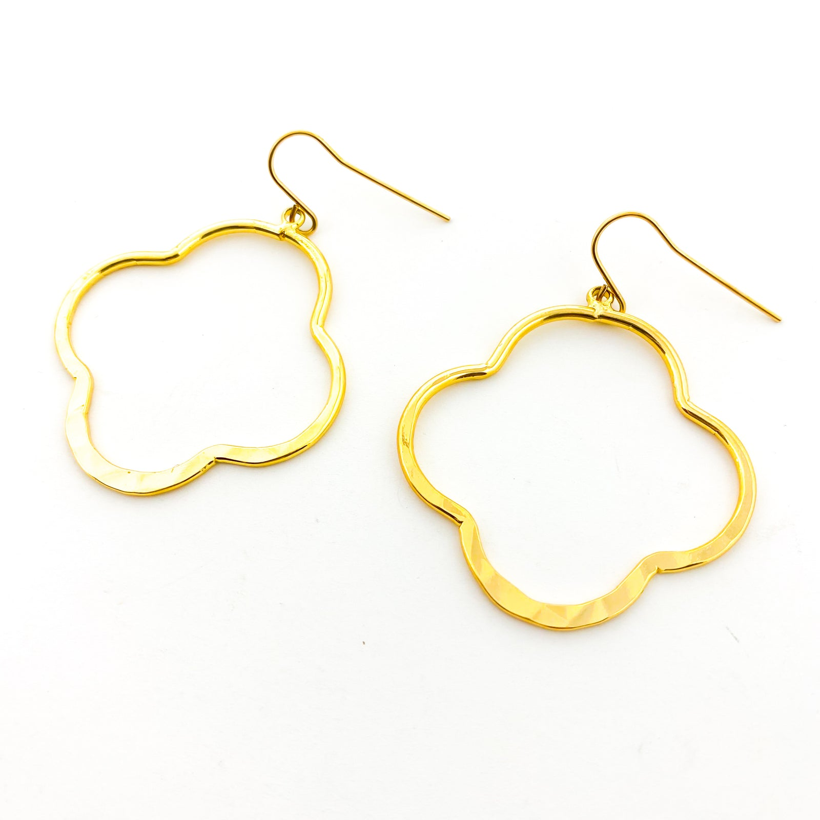 HAMMERED VAN CLEEF EARRINGS | 18K GOLD PLATED | SIZE OPTIONS