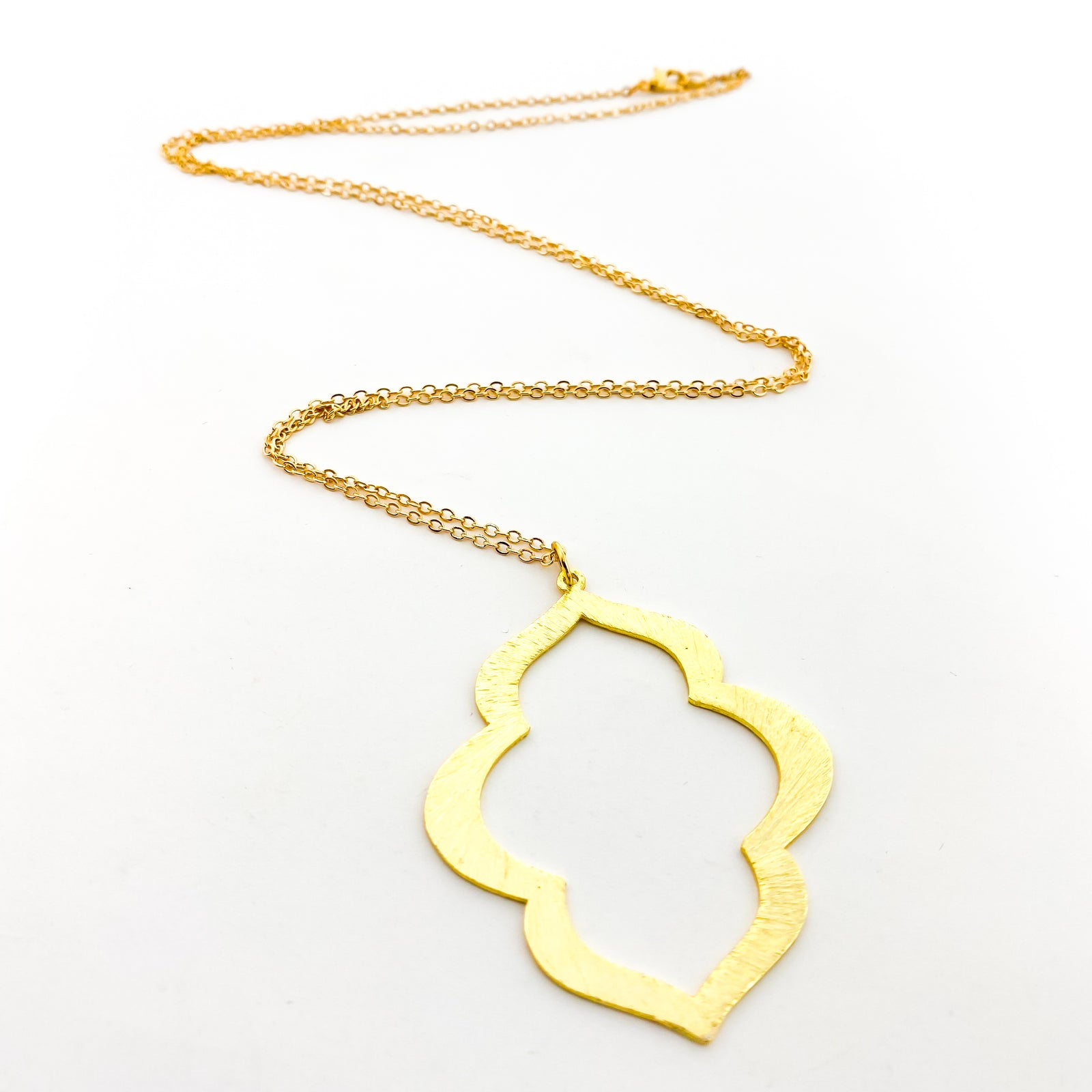LONG BRUSHED OGEE NECKLACE | GOLD