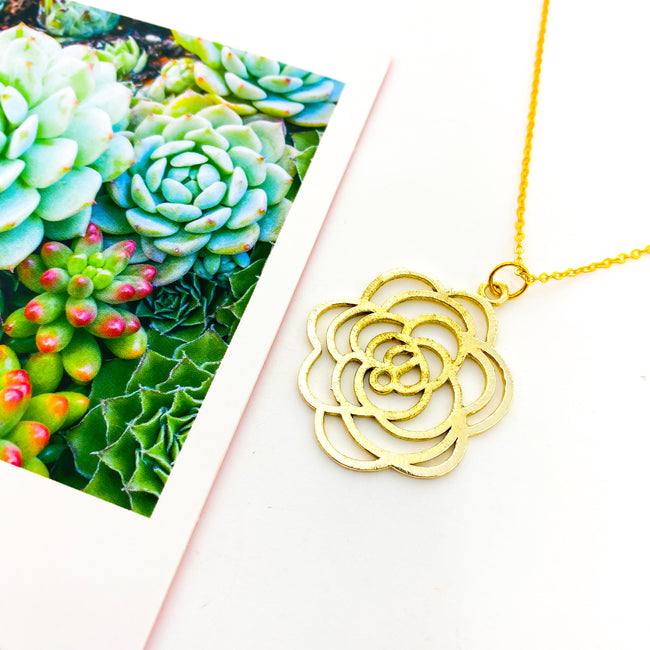 LONG BRUSHED ROSE NECKLACE | GOLD