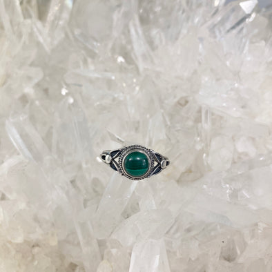Malachite Small Detailed Ring - size 9