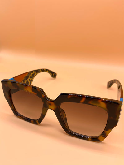 Chic Oversized Tortoise Sunglasses - Brown
