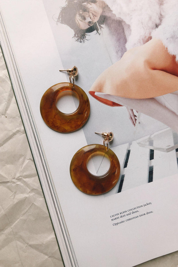 ACCESSORIES - Naomi Round Tort Earrings