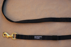 Modern Icon Double Snap Lead - Black