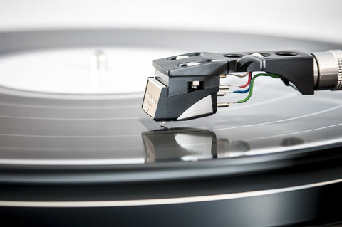 Can You Play Mono Records on A Stereo Turntable?