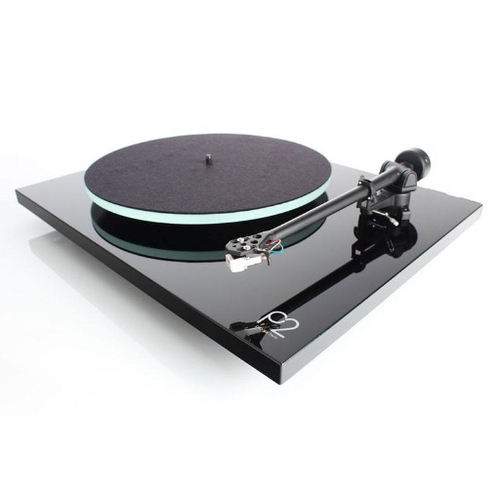 Rega Planar 2 Turntable w/ Carbon Cartridge - Hi-Fi Centre
