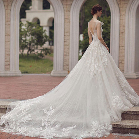 Stunning Tulle Printed Flower Lace Big Train Wedding Dress