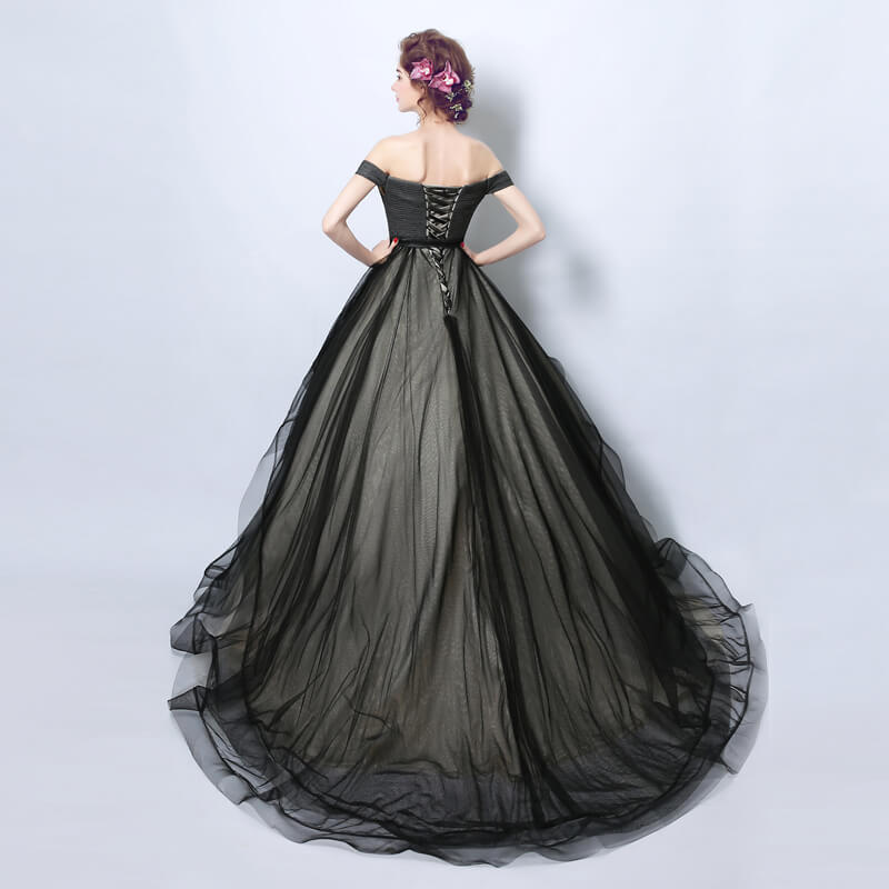 [Final Sale] Black Off The Shoulder Puffy Ruffles Skirt Graduation Gown