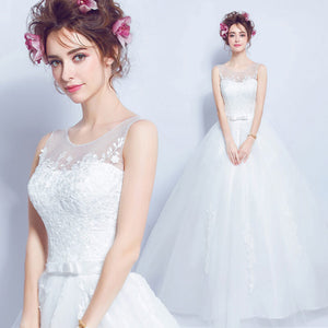 Delicate Lace Sleeveless A Line Wedding Gown