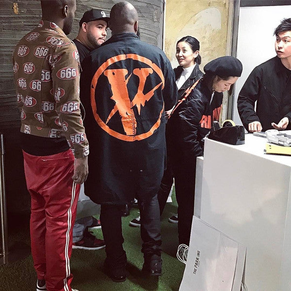 Tide brand VLONE FRIENDS 2017 double-sided wear KNAYE thick baseball men and women ma1 flight jacket
