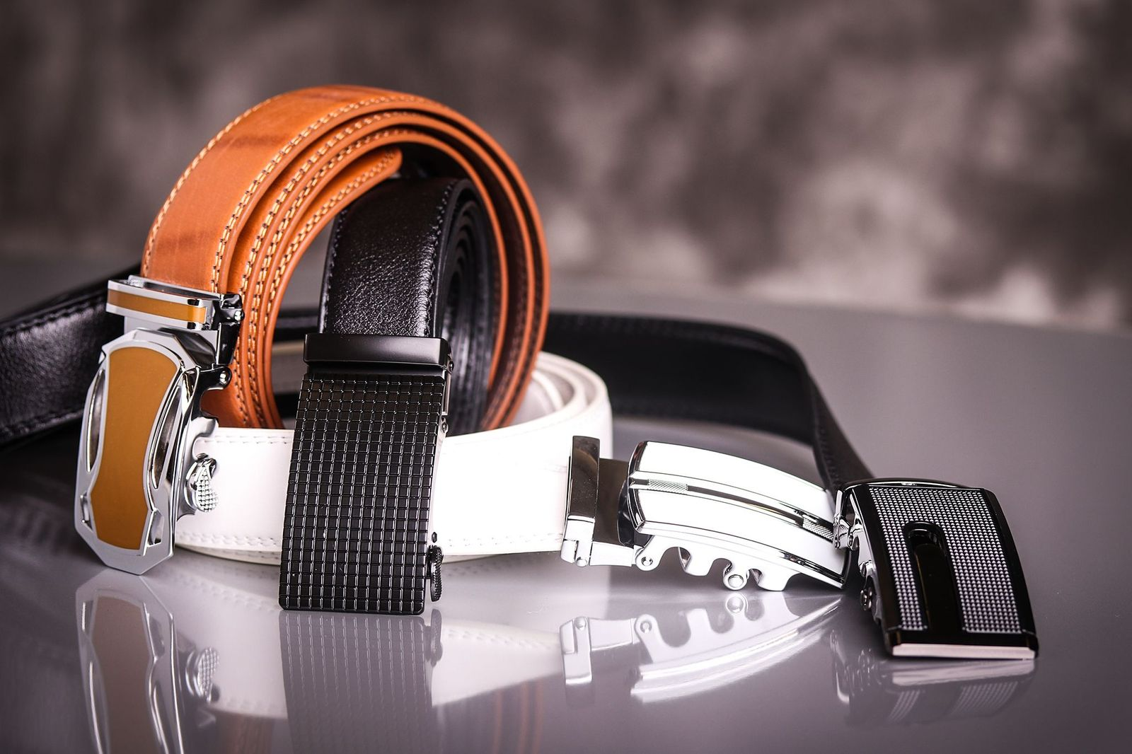 5 Common Mistakes in Wearing Men's Belts