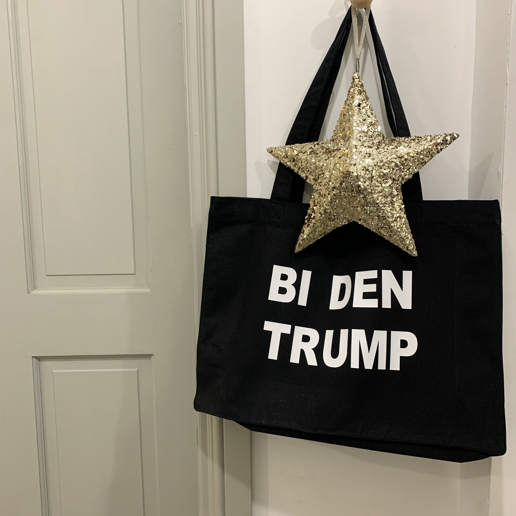HERE'S TO THE VOTE TOTE