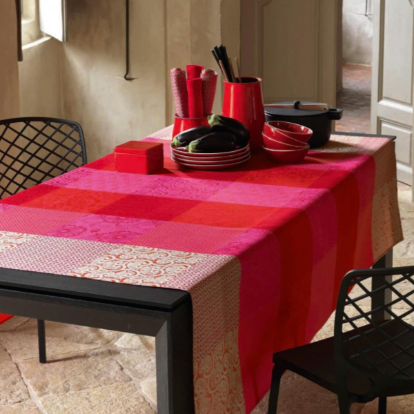 Fleurs de Kyoto Cherry Coated Table Linens