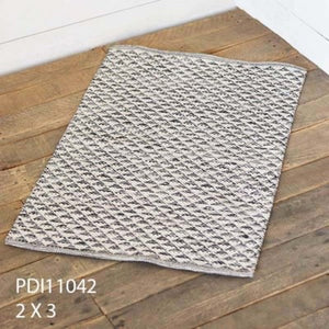 2' x 3' HAND WOVEN COTTON RUG GREY TRIANGLE