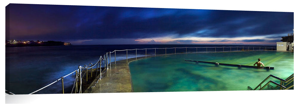 Bronte Pool in the early morning twilight
