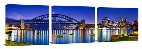 Panoramic view of Sydney Harbour from Blues Point.