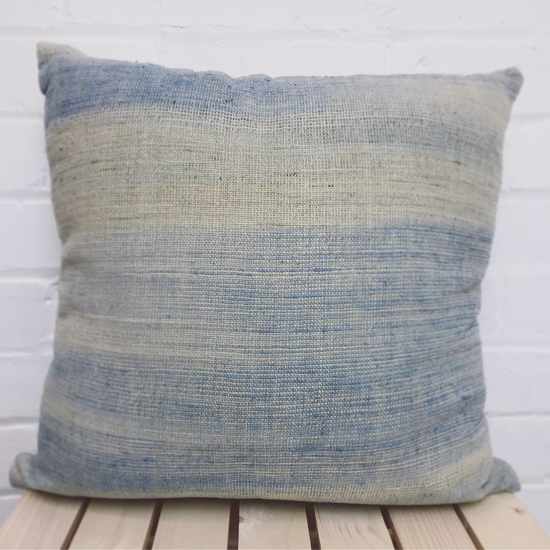 Cushion cover with exclusive design handspun & hand woven cotton 'In the Cloud'