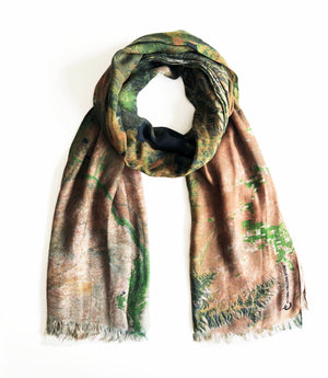 map scarf of Yellowstone, Wyoming in modal/cashmere blend. Perfect souvenir or gift for women and men.