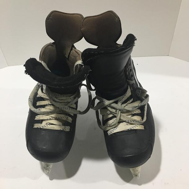 VH Senior Ice Hockey Skates 9.5