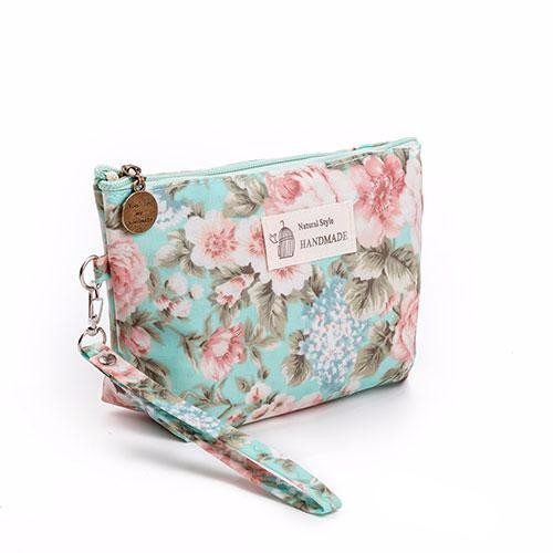 95e6f6addb4f Floral Printed Cosmetic Bag Women Makeup Bags Female Zipper Cosmetics Bag  Portable Travel Make Up Pouch