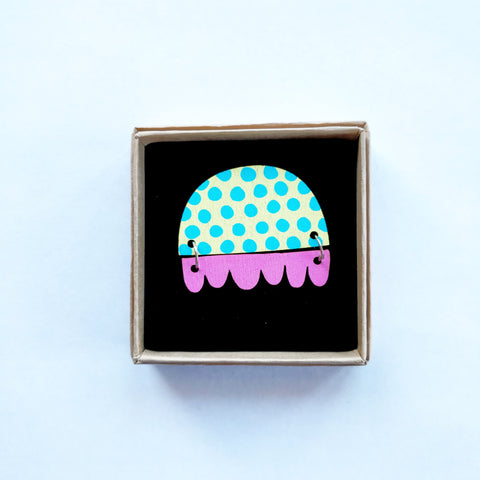 Kissankello Brooch pastel blue/pink