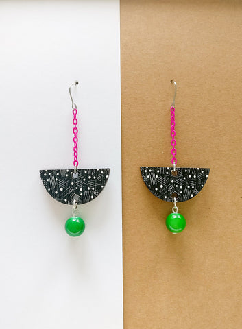 Vene Earrings Magenta/Black/Green