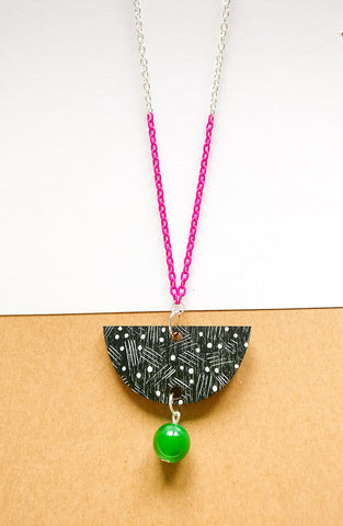 Vene Necklace Magenta/Black/Green
