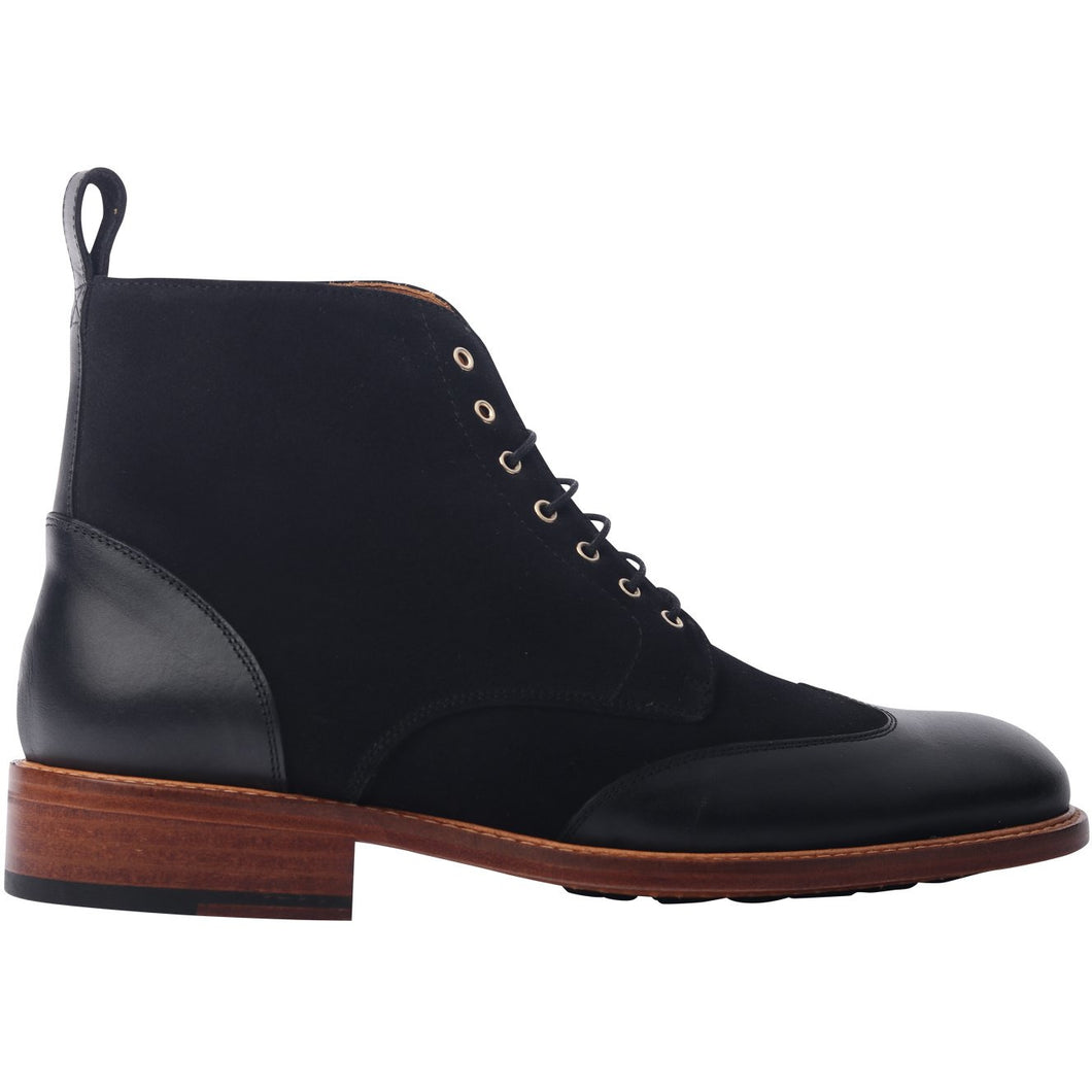 The Winged Valdez Boot in Black