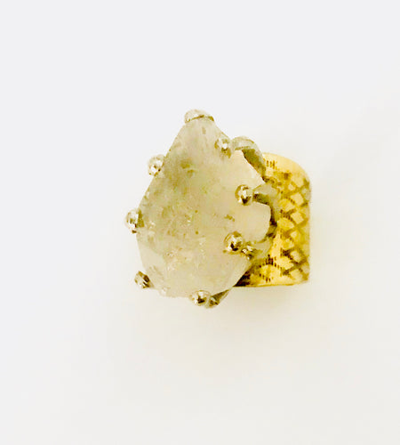 ✨Quartz & brass ring✨
