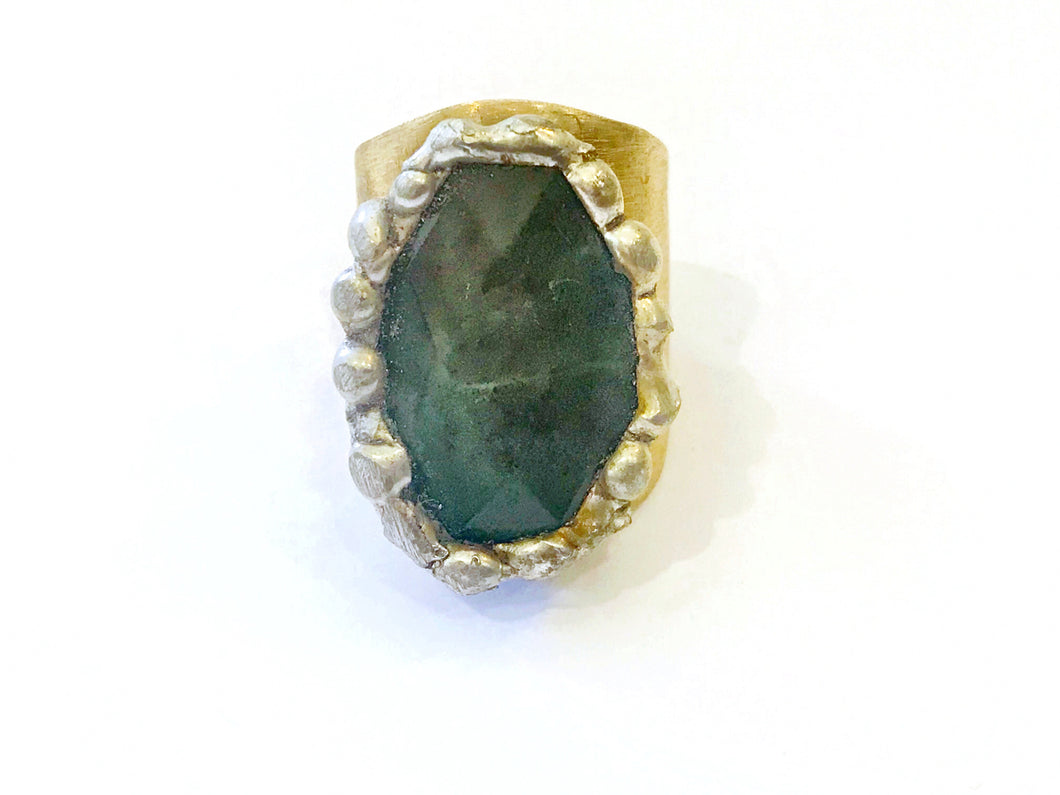 ✨green agate brass ring✨