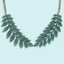 Load image into Gallery viewer, Leafy Collar Necklace