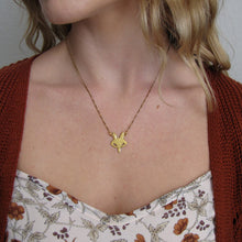 Load image into Gallery viewer, Gold Fox Necklace