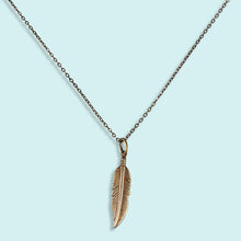 Load image into Gallery viewer, Golden Feather Necklace