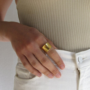 Concave Band Ring