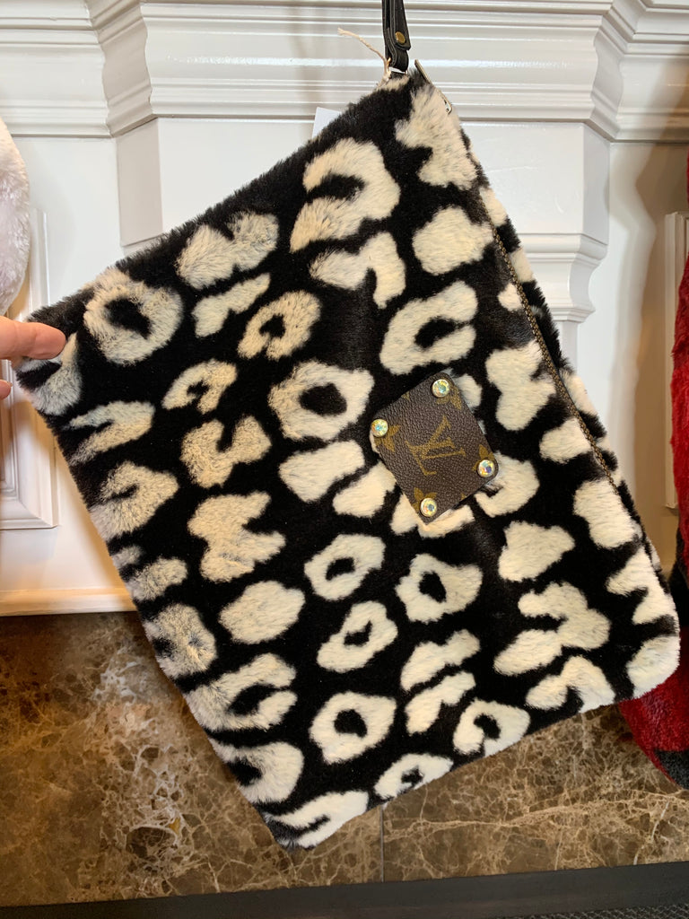 Black & White Snow Leopard  Fuzzy Wristlet/ Purse