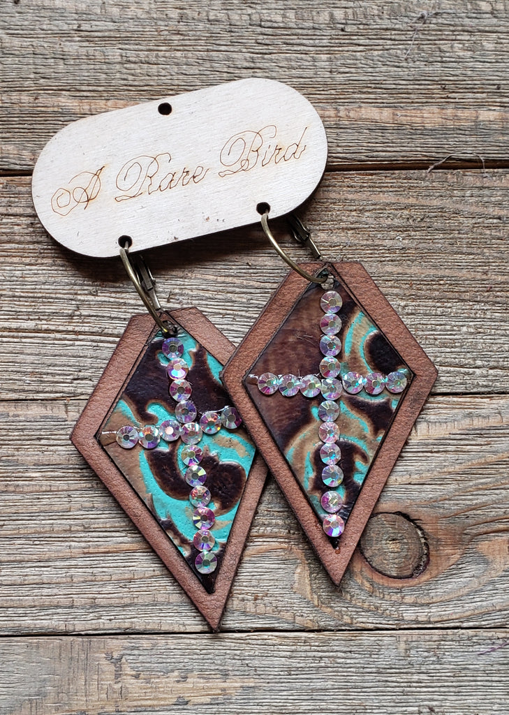 Western woman leather earrings