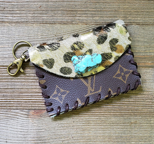 Gold leopard & leather braided credit card keyring