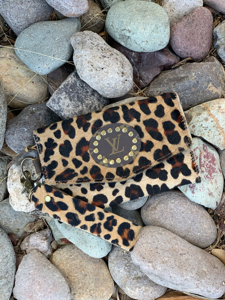 Leopard hair on Hide Jordan