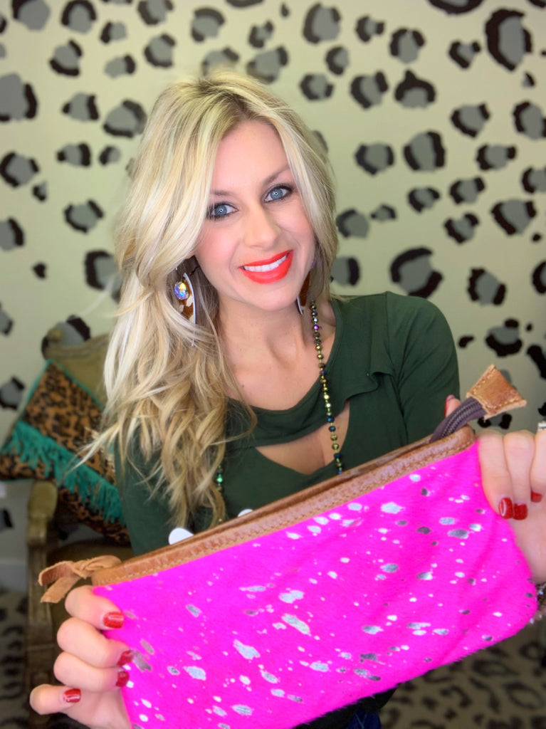 The Kelly clutch in Hot pink & silver hide