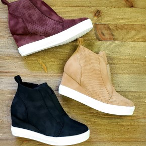 The Zoey Camel wedge tennis shoes
