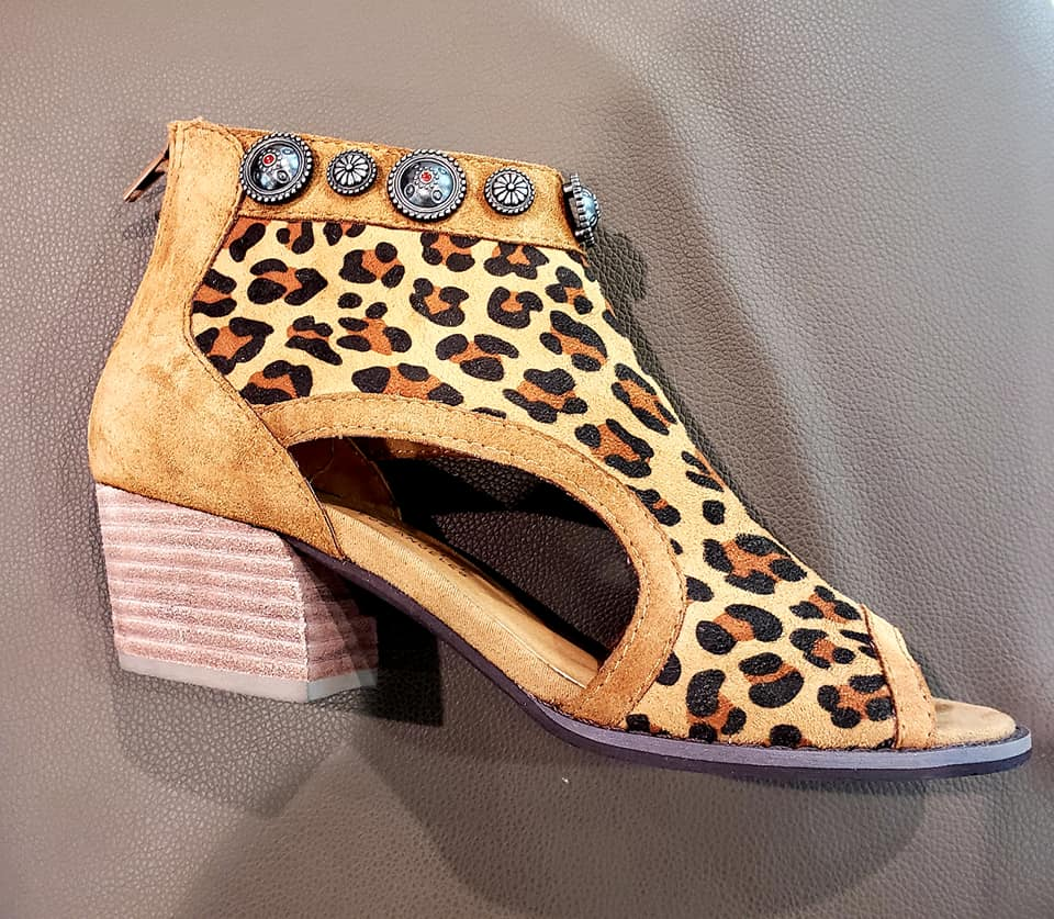 Very Volatile Jalissa concho Leopard booties