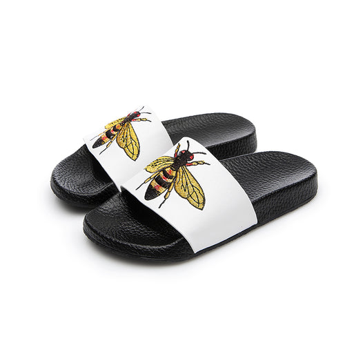 2017 Summer Girls Embroidered Bee Slides Princess Soft Slides little girl rubber Sandals black white boys beach sandal Kid shoes