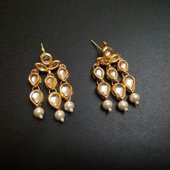 Designer Beads Tri Pearls Earrings