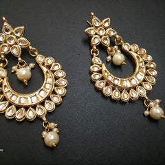 Designer Beads Kundan White Earrings