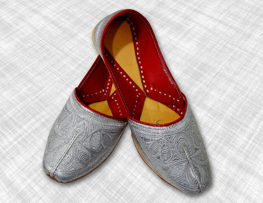 Traditional Punjabi Silver Jutti with Intricate Designer Embroidery for Men