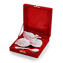 A Silver Polish Leaf Shaped Brass Freshener Set