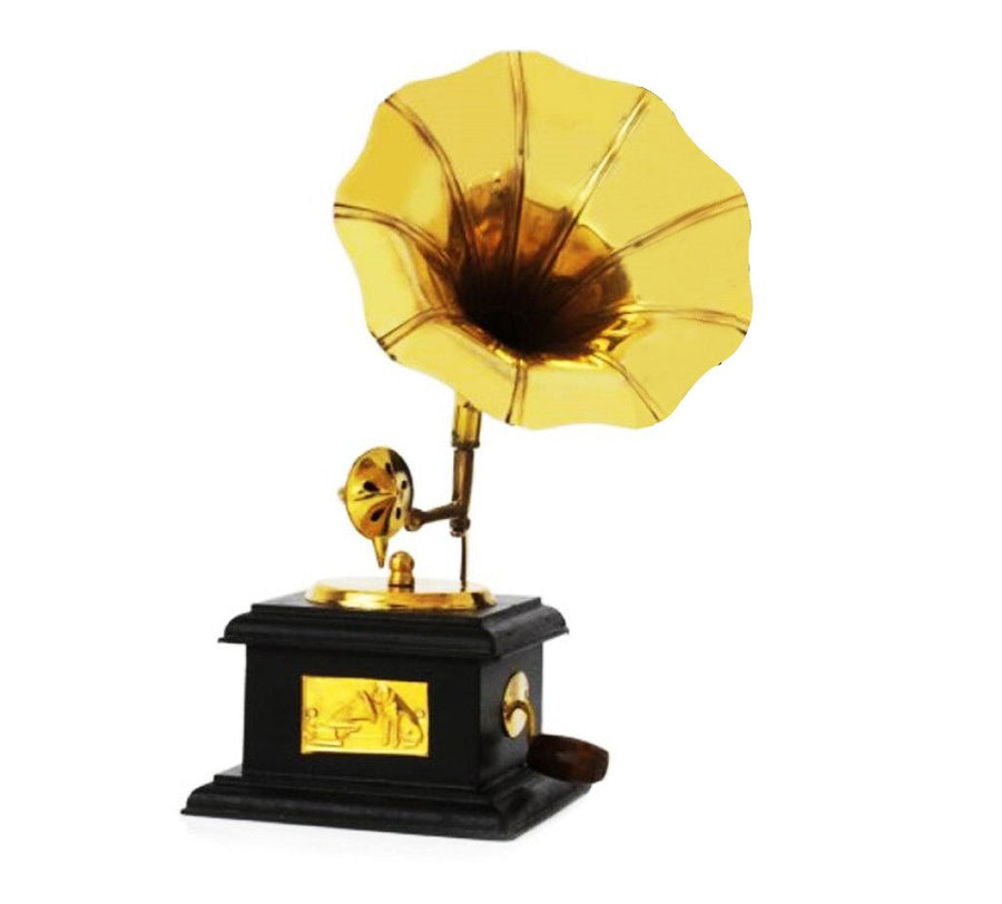 GRAMOPHONE WITH BASE