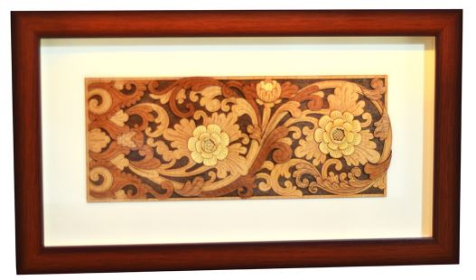 WOODEN DECORATE FRAME