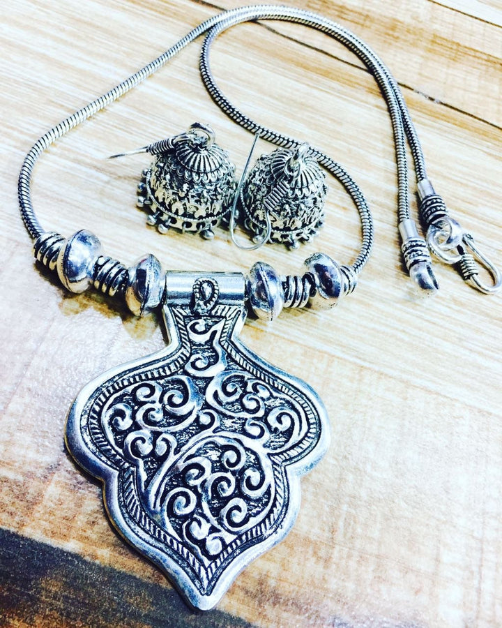 German Silver Neckset